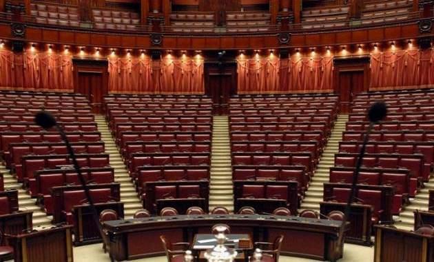 Camera e senato differenze soldioggi for Composizione del senato