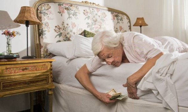 Come conservare i soldi soldioggi - Nascondere soldi in casa ...