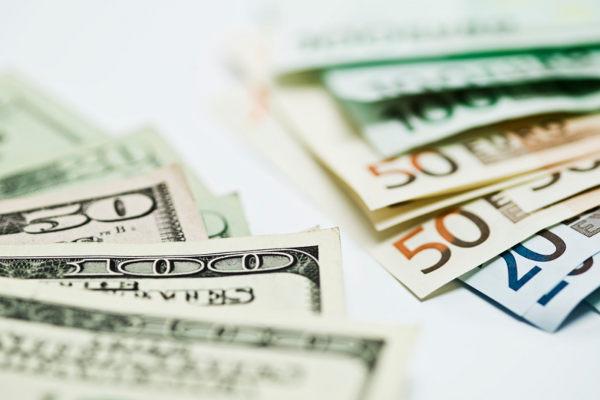 67f6d67573 Quando si parla di valuta si pensa subito al dollaro USA, oppure allo yen  giapponese, o ancora alla sterlina inglese, ossia le monete per le quali si  ...